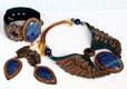Комплекты украшений Комплекты украшений и модные гарнитуры от дизайнеров ручной работы.